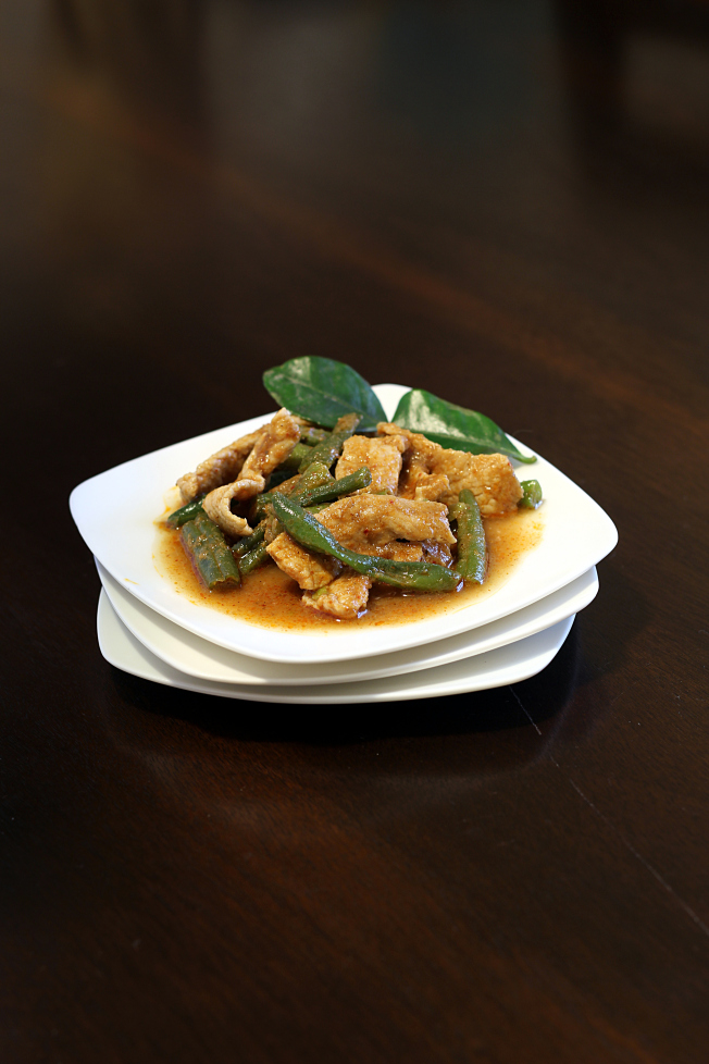 This Thai Pork with Spicy Green Beans recipe (moo pad prik king) is delicious, easy to make and the sauce is just waiting to be soaked up by the rice!