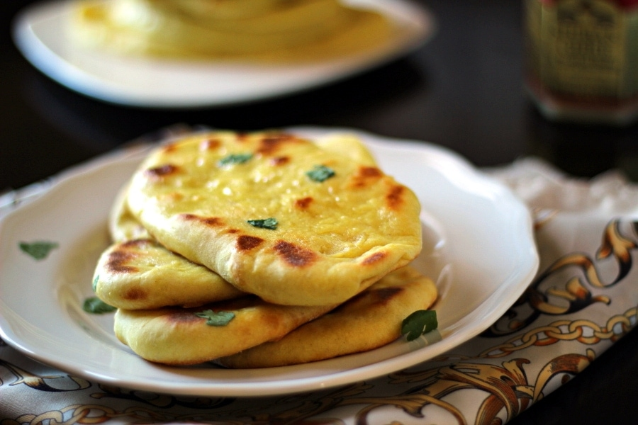 Indian naan bread the wanderlust kitchen easy homemade indian naan bread forumfinder Images