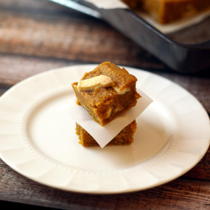 This White Chocolate Pumpkin Butter Bars are so delicious, soft and creamy. It's like eating pumpkin pie bites with white chocolate to melt together with the rich spices.