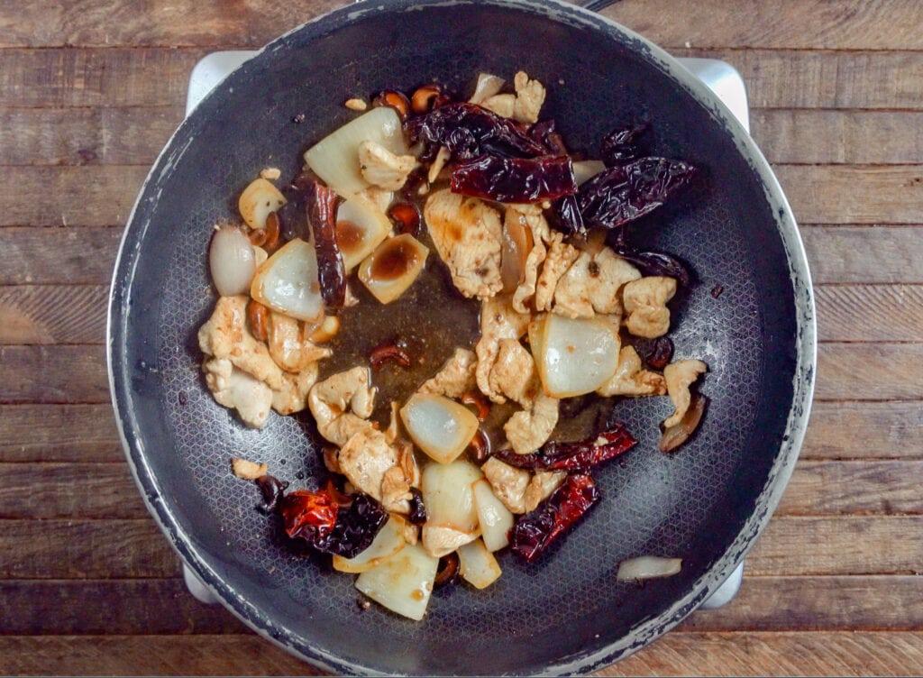 How to Make Thai Cashew Chicken