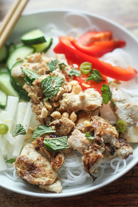 "A delicious and fun recipe for Vietnamese Vermicelli bowls, also known as ""bun,"" with rice noodles, chicken, red pepper, daikon, cucumber, and mint. This bun vermicelli recipe is delicious!"