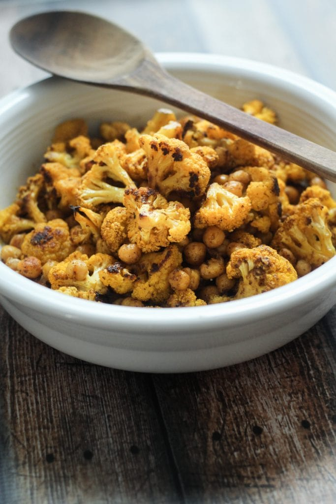 This Vindaloo Cauliflower and Chickpeas recipe combines cauliflower and chickpeas with a Vindaloo Curry Seasoning. We also added a dressing with mustard seeds, pepper, cayenne, cinnamon and the unique fenugreek. Spicy!