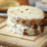 Croque Monsieur (Toasted Ham and Cheese Sandwich)