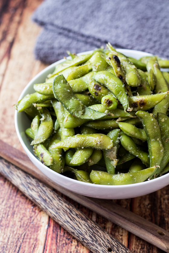 This Ginger and Garlic Edamame Beans recipe is so easy with edamame beans, olive oil, grated ginger and garlic and sea salt for a delicious appetizer or side dish.