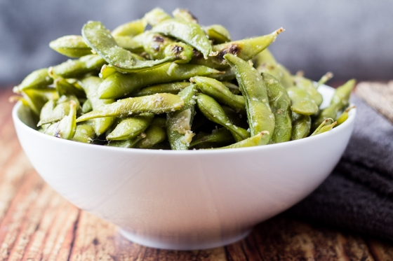 How to Make Garlic & Ginger Edamame