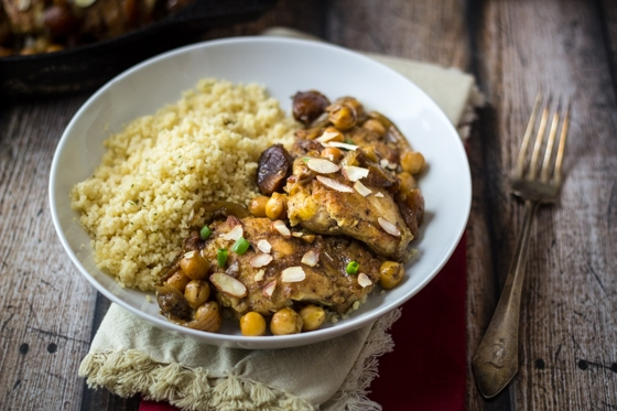 Moroccan Chicken Skillet (30 Minute Mondays!) - this easy and delicious dinner will transport you straight to Casablanca!