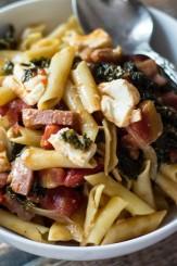 30-minute-one-pot-ham-kale-feta-pasta-550