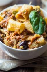 Vegetarian-Rigatoni-Mediterranean-Casserole-550