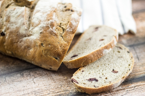 This Looking for olive bread recipes? Here is a great one! Easy Rustic Olive Bread recipe uses salty kalamata olives to add a depth of flavor to this rustic bread recipe!