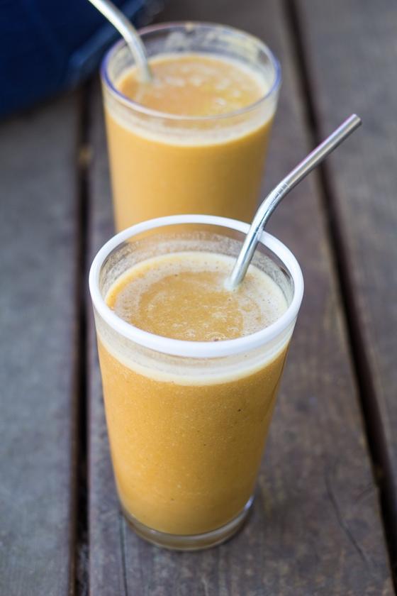 silk-vanilla-almondmilk-taste-1-2