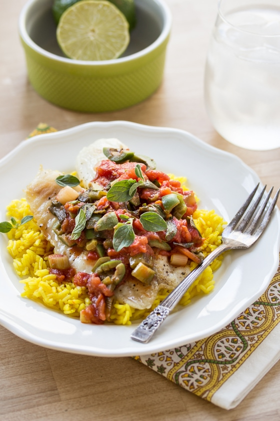 Salty Castellano olives and a dash of cinnamon create irresistible flavor in this classic Tilapia Veracruz recipe. Pair it with fragrant turmeric-saffron rice for an easy and complete meal!