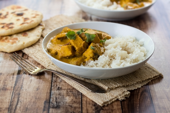 Creamy cashews add a velvety richness to this flavorful Indian Chicken Cashew Curry - pair with homemade naan bread for the perfect meal! This Indian chicken and cashew curry is delicious!