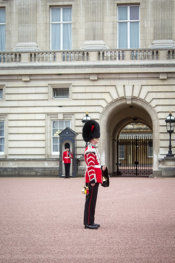 4 Day Itinerary London. Go to Buckingham Palace and see the changing of the guard.