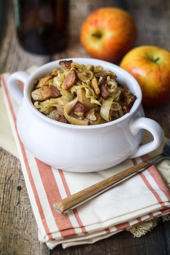 Beer Braised Cabbage with Bacon and Apples - tangy, smoky, and a little bit sweet. Perfect for Oktoberfest!