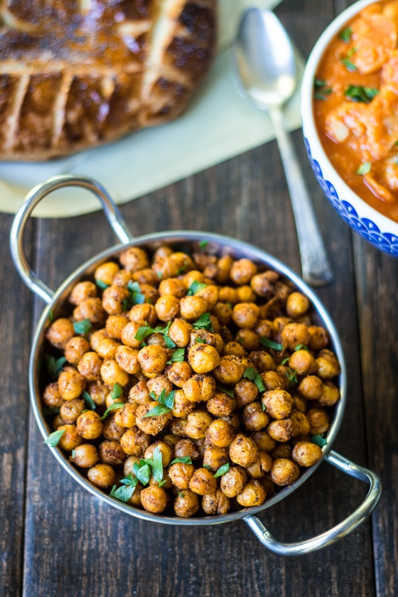 Spiced Roasted Chickpeas! Citrus-scented Sumac and warm Middle Eastern spices add bold flavor to these roasted sumac chickpeas!