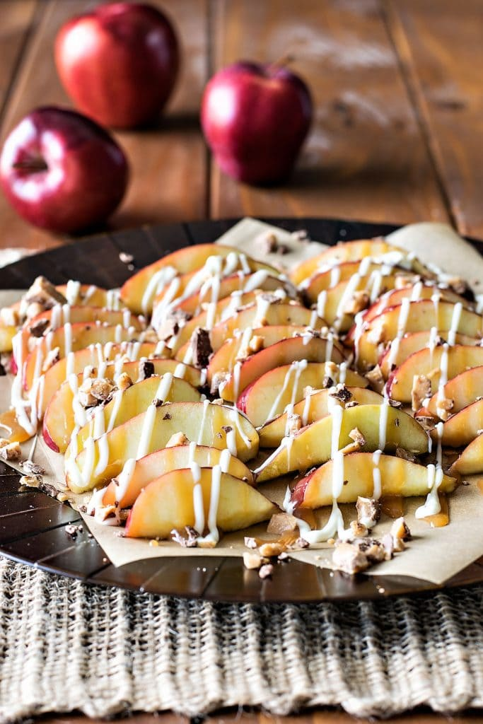 Caramel Apple Nachos | A week of delicious recipes inspired by places around the world!