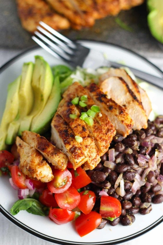 Chipotle Chicken Salad with Pico de Gallo | A week of delicious recipes inspired by places around the world!