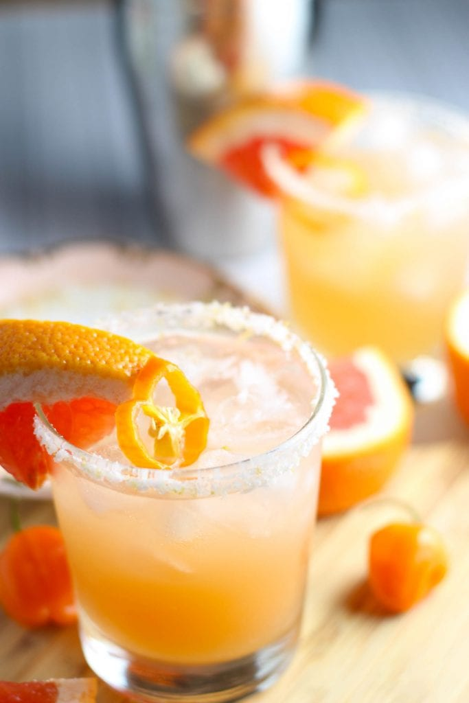Habanero Grapefruit Margarita | A week of delicious recipes inspired by places around the world!
