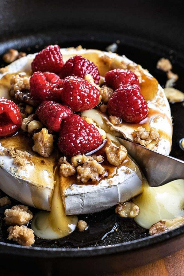Raspberry Walnut Baked Brie | A week of delicious recipes inspired by places around the world!