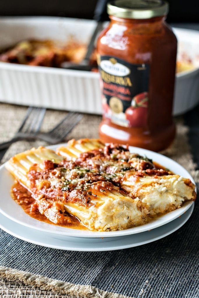 Easy Cheesy Manicotti | A week of delicious recipes inspired by places around the world!