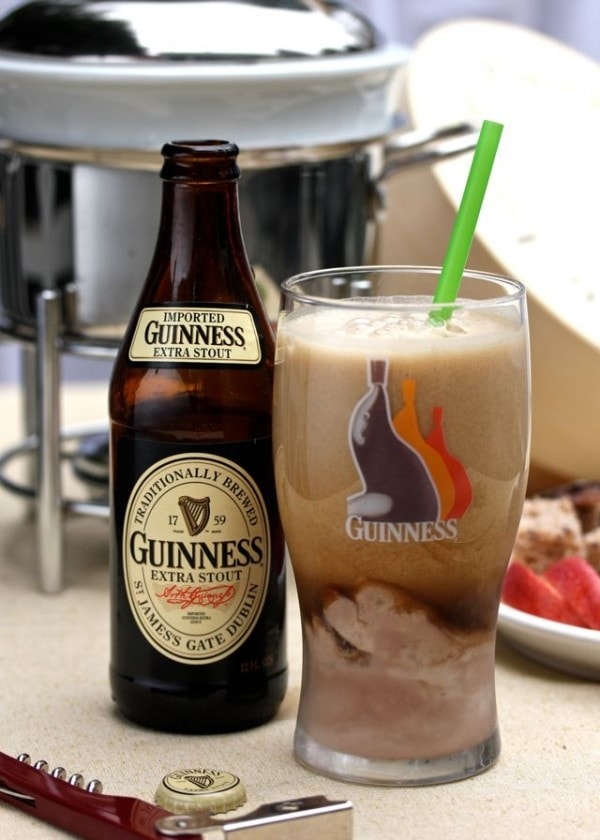 Chocolate Guinness Floats | Just in time for St. Patrick's Day! 12 Vegetarian Guinness Recipes - on thewanderlustkitchen.com