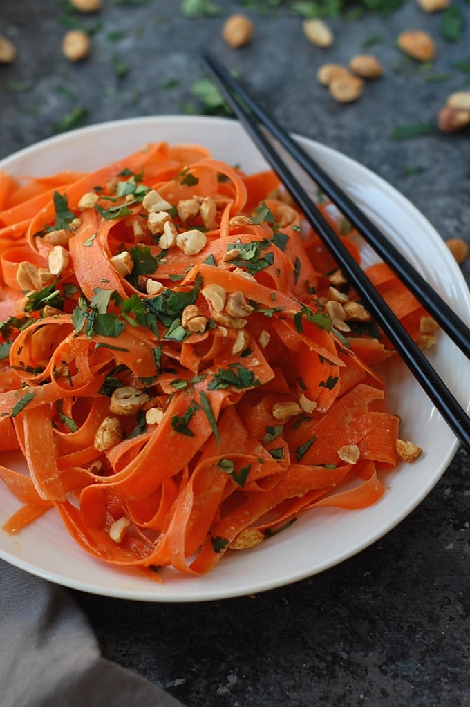 No Spiralizer Carrot Noodles with Peanut Sauce | World Cravings - Week ...