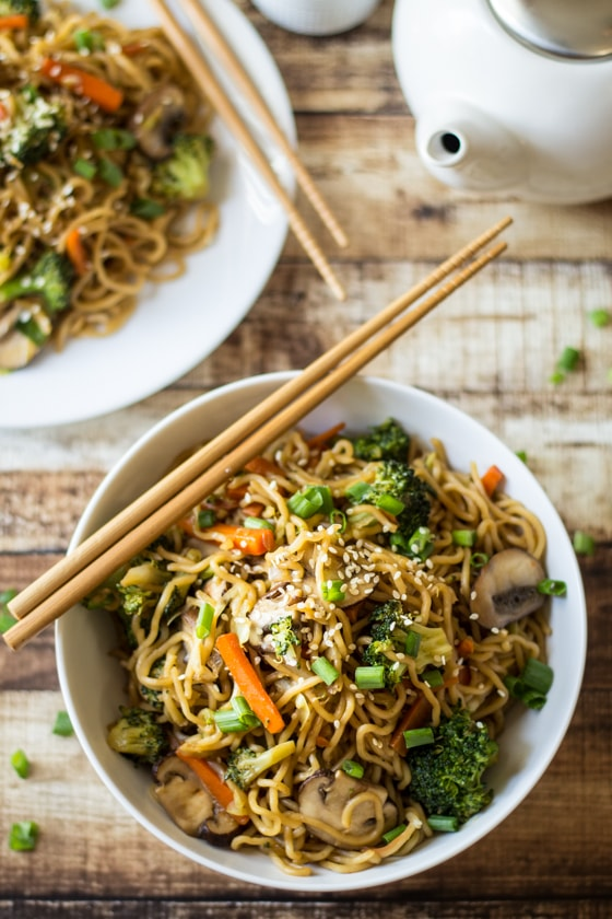 Veggie Loaded Chow Mein | A week of delicious recipes inspired by places around the world!