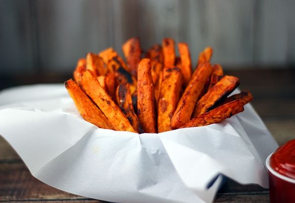 Paprika Baked Sweet Potato Fries | A week of delicious recipes inspired by places around the world!