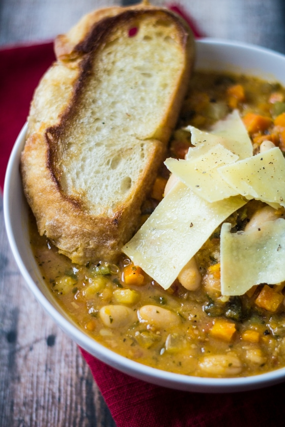 Tuscan Bean Soup | A week of delicious recipes inspired by places around the world!