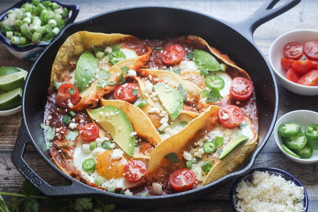 Huevos Ranchers Colorado | 10 Vegetarian Runny Egg Recipes | These meatless recipes are loaded with drippy eggs, veggies, and plenty of avocado!