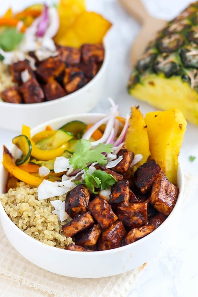 Hawaiian BBQ Tofu Bowls | Vegetarian BBQ Recipes aren't just for Meatless Monday! Enjoy these tasty meat-free recipes all summer long.