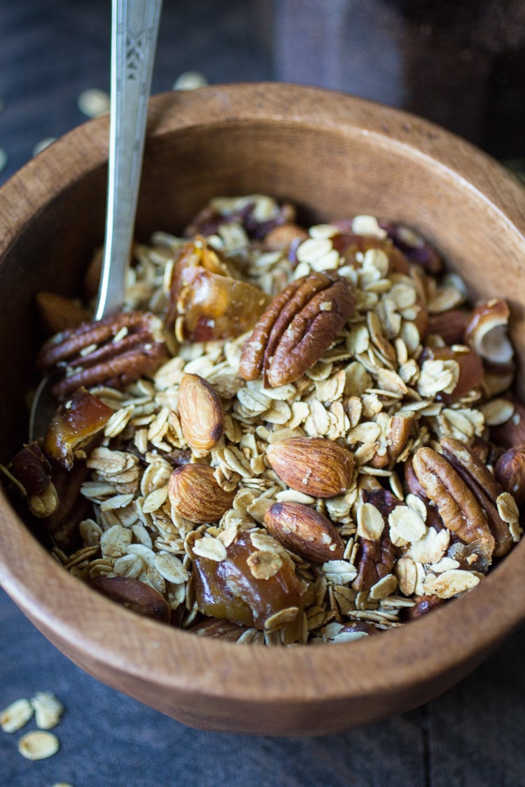 How to Make Homemade Granola: just start with this basic recipe and add whatever you fancy!