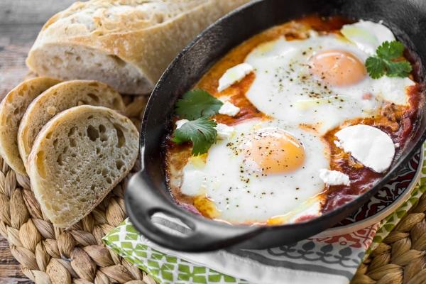 harissa-shakshuka-eggs-in-purgatory-2