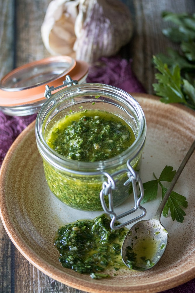 There's nothing like this easy chimichurri sauce to brighten up your favorite dish! Five minutes and a basic food processor are all you need to put together this delicious and versatile condiment. Looking for a Chimichurri sauce easy, here it is!