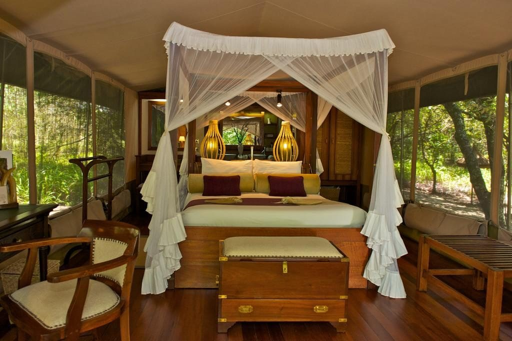 Dream Glamping in Kenya - How to Choose Between GLAMPING and CAMPING for your African Safari