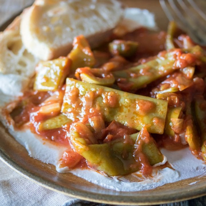Braised Flat Beans in Tomato Sauce