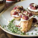16 Sumptuous Side Dishes to Bring to Thanksgiving - Roasted Grape Crostini
