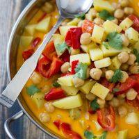 6 Ingredient Vegan Chickpea Curry