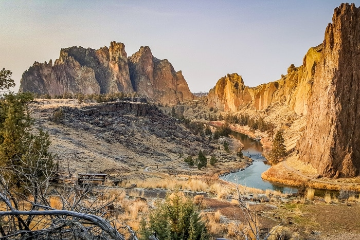Stunning Smith Rock State Park - A Perfect Long Weekend in Central Oregon