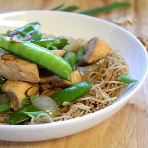 Almond Chicken with Noodles Recipe that can be made in 15 minutes!