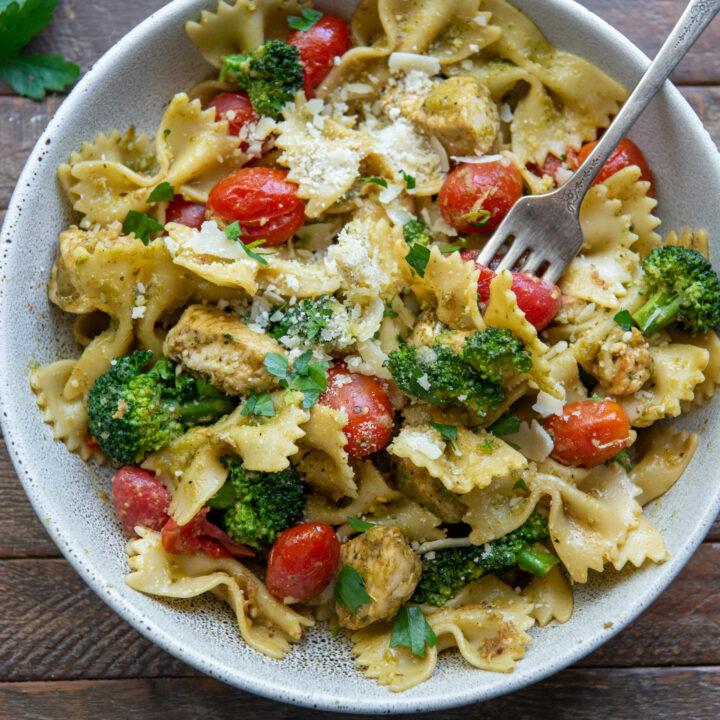Chicken-Pesto-Pasta-Recipe-Square-1