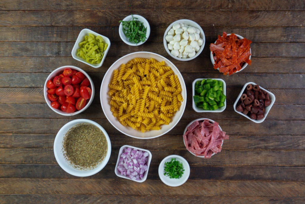 How to make pasta salad with Italian dressing